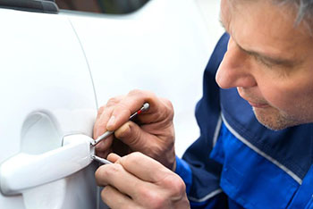 Car locksmiths services